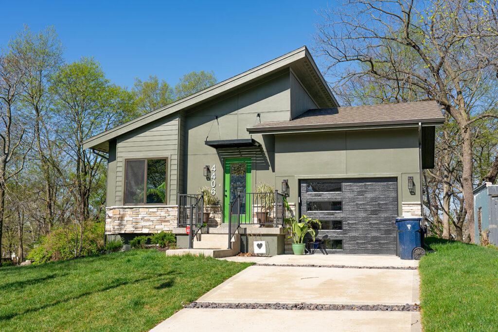 Manheim Park Home - Kansas City, MO